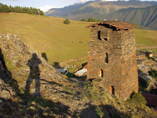 Tuszetia. Góry i wieże z kamienia